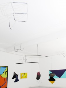 Tehklas-Gestellenstueck-2011-chair-frames-installation-Extradosis-Kunsthalle-zu-Kiel-2011