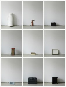 93 in Eins (Alles was in einen Bus passt), 2003, 94 Digitalprints, each 31 x 20 cm, T10