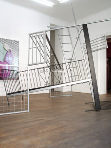 2 Doppelbett, 2009, found objects, 345 x 340 x 350 cm