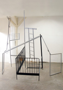 3,2  Doppelbett, 2009, found objects, 345 x 340 x 350 cm,