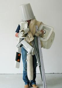 Soviel wie moeglich auf einmal tragen, 2003, C-Print , 170 x 124 cm