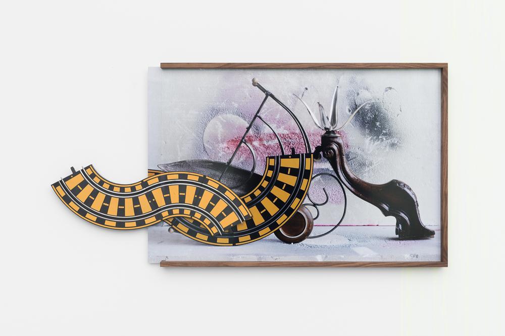 Carrera Rousseau, 2016, (Assemblage) C-Print + found object, 60,5 x 118 x 4,5 cm, unique