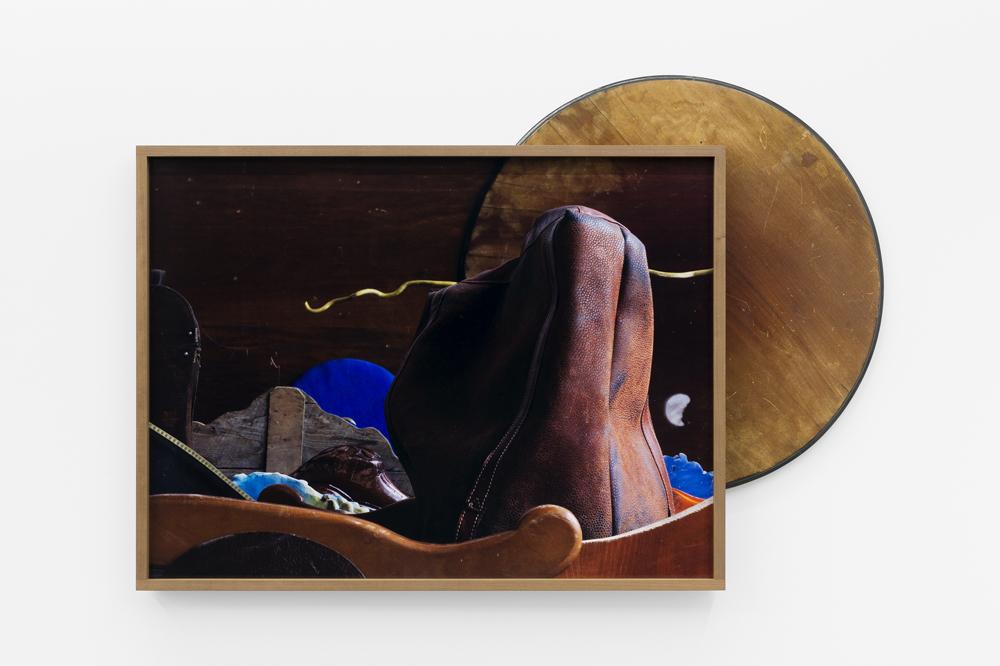 Gluno, 2016, (Assemblage) C-Print + found object, 108 x 156 cm, unique