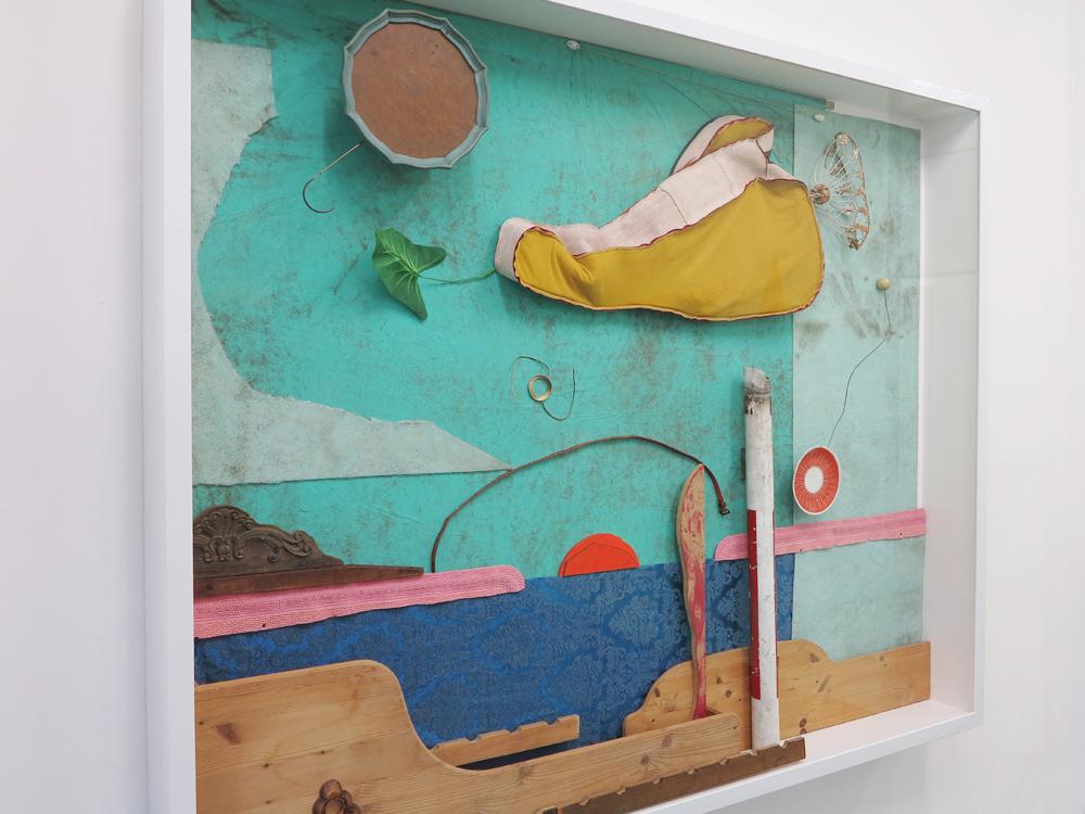 Hornschuchl, 2017, Vitrine mit Fuendstuecken, 185 x 220 x 23 cm_Gallery Guentner_PARADIECLIPSE©Th_Brinkmann