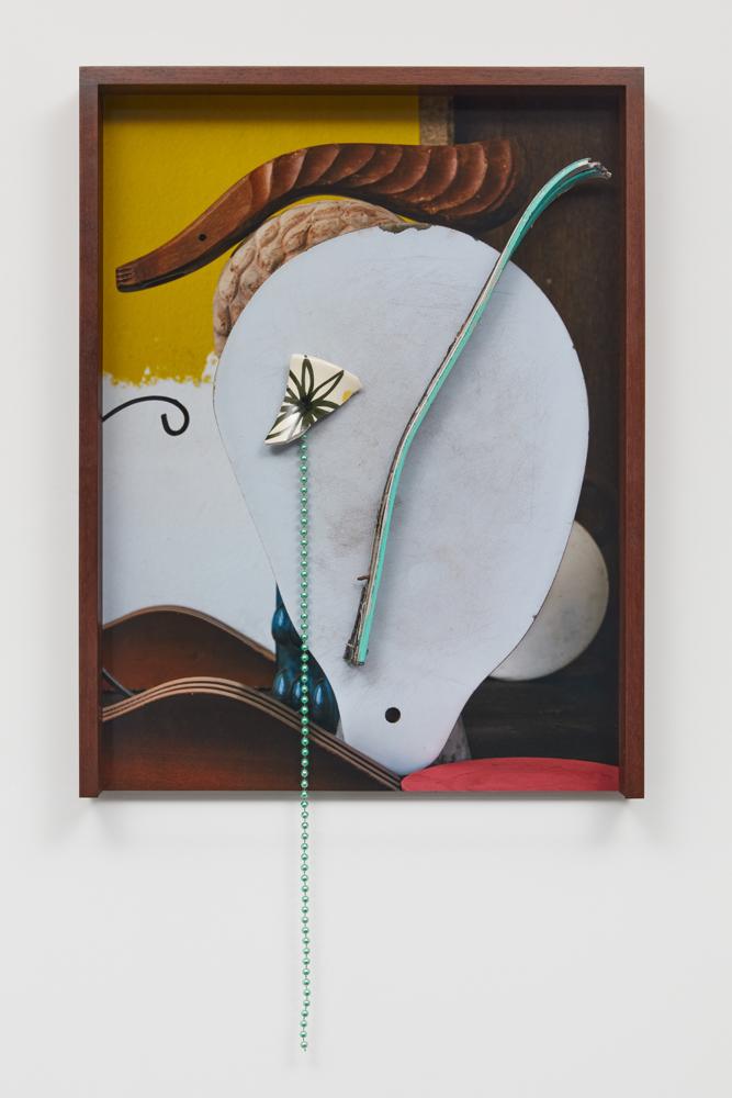 Linette, 2021, C-Prinrt + found objects, 63 x 39 x 6 cm, unique