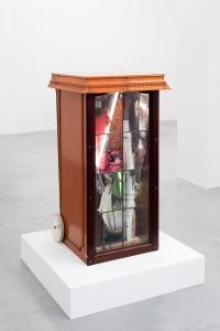 Neoneo, 2014, found objects, 79 x 65 x 110 cm, Junk de Luxe, Hopstreet Gallery, Brussel, Belgium, 2014