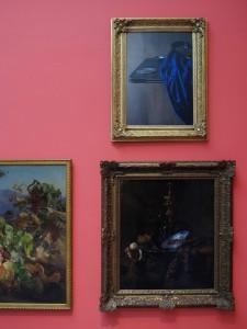 Raeuber-der-Schlaeferrunde-installation-view-20092011-C-Print-100-x-80-cm-Extradosis-Kunsthalle-zu-Kiel-2011