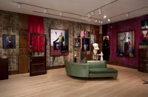 Villa Silverbaum, 2009, C-Prints + Found Objects, 8 x 6 x 3,2 m, ICP New York
