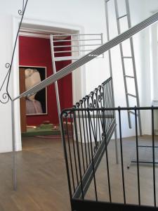 4 Doppelbett, 2009, found objects, 345 x 340 x 350 cm