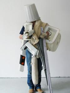 5,5--So viel wie möglich auf einmal tragen, 2003, C-Print