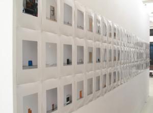 93 in Eins (Alles was in einen Bus passt), 2003, 94 Digitalprints, each 31 x 20 cm, Galerie KX